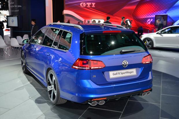 Golf R Estate >> Vw Golf R Estate Revealed Full Details And Launch Date